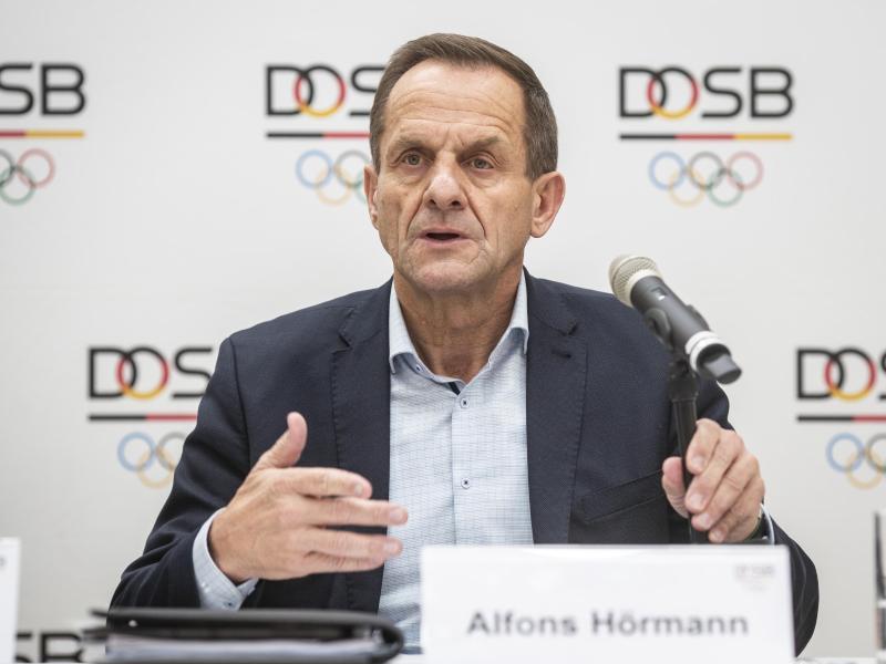 Erhielt von seinen Athleten ein klares Votum wegen der Olympia-Verlegung:DOSB-Präsident Alfons Hörmann