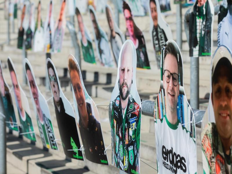Mit den Pappfiguren haben Fans die Möglichkeit ihr Konterfei im Stadion zu platzieren