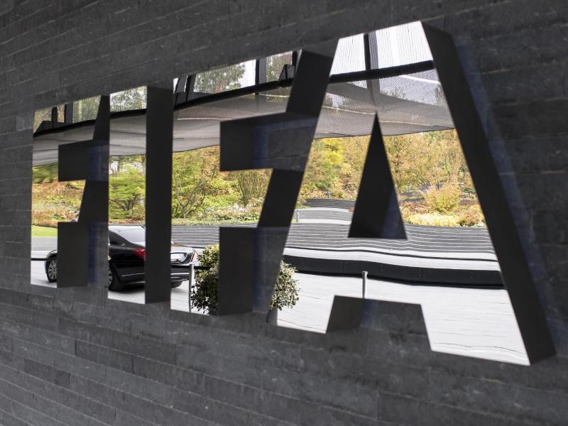 Das Logo des Weltfußballverbandes am Hauptsitz in Zürich