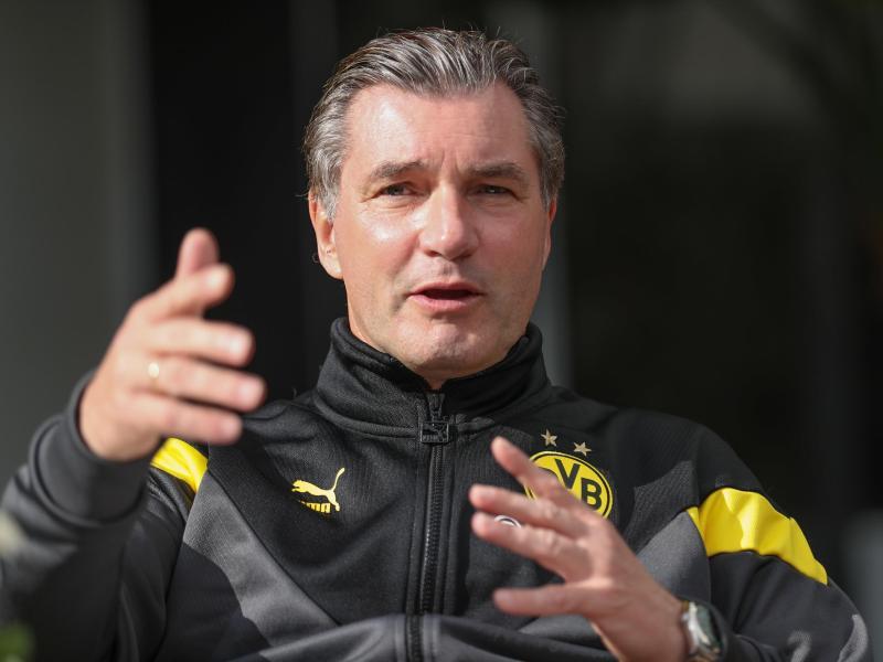 Sieht die fehlenden Zuschauer als Nachteil:BVB-Sportdirektor Michael Zorc. Foto: Friso Gentsch/dpa