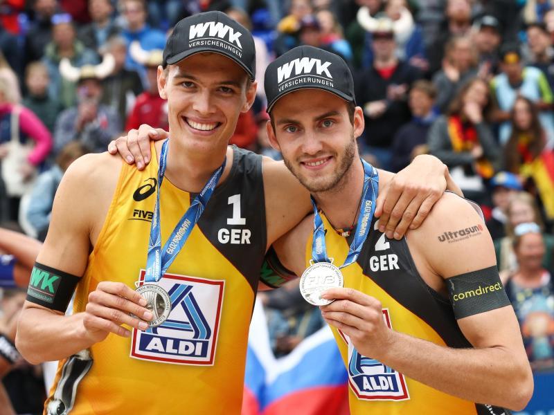 Julius Thole (l) und Clemens Wickler gewannen im vergangenen Jahr WM-Silber