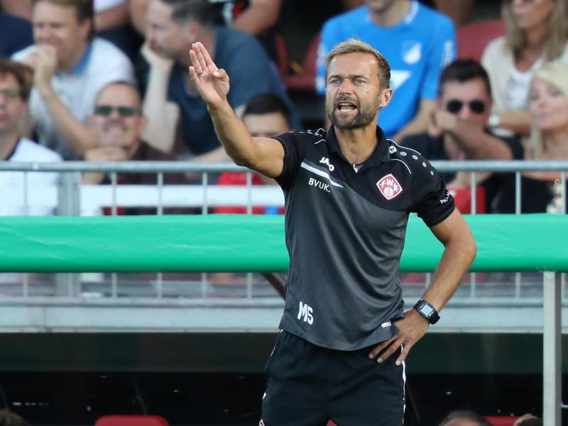 Will mit den Würzburger Kickers aufsteigen:Trainer Michael Schiele