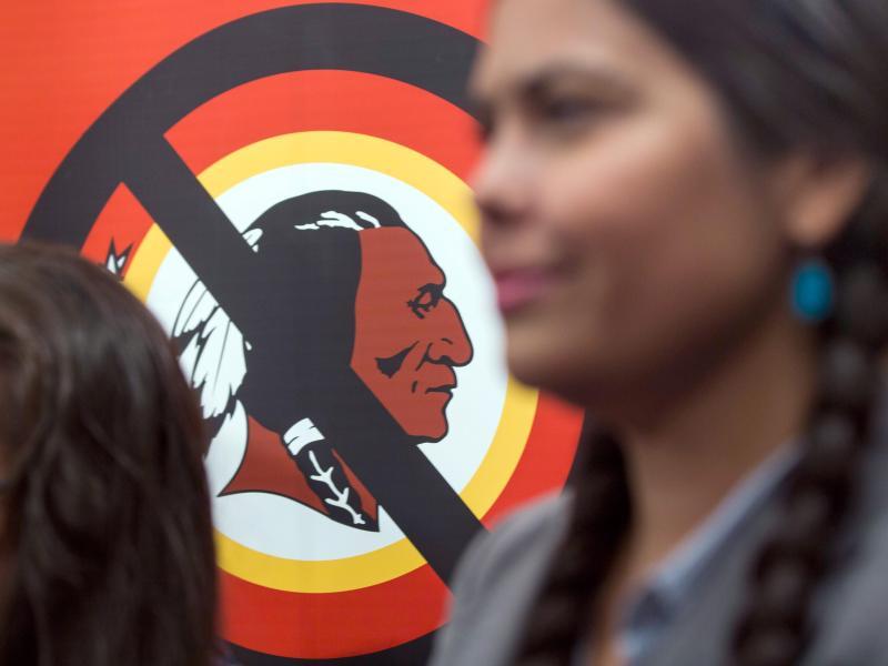 Im Zuge der Rassismusdebatte in den USA hat den Hauptsponsor das NFL-Team Washington Redskins wohl dazu aufgefordert, sich umzubenennen