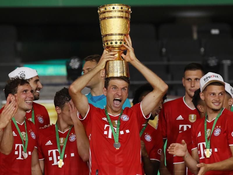 Fc Bayern Triple Party Im Regen Nur 16 000 Kamen In Die Munchner