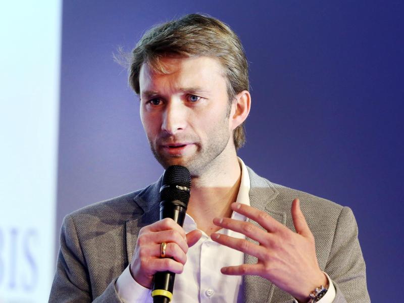 Simon Rolfes, Sportdirektor des Fußball-Bundesligisten Bayer 04 Leverkusen