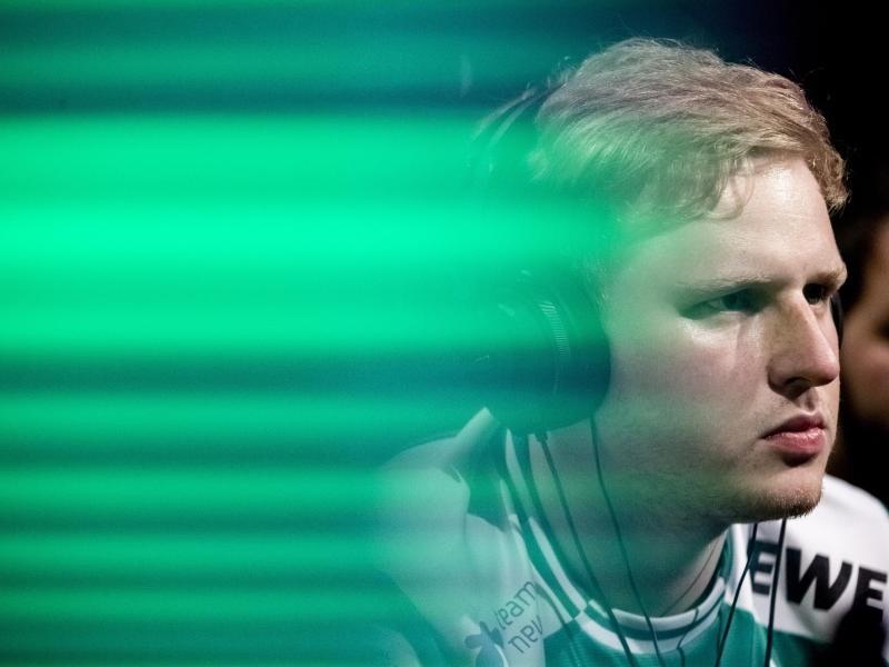 Nationalspieler MegaBit hat sein Spiel gegen Schweden gewonnen