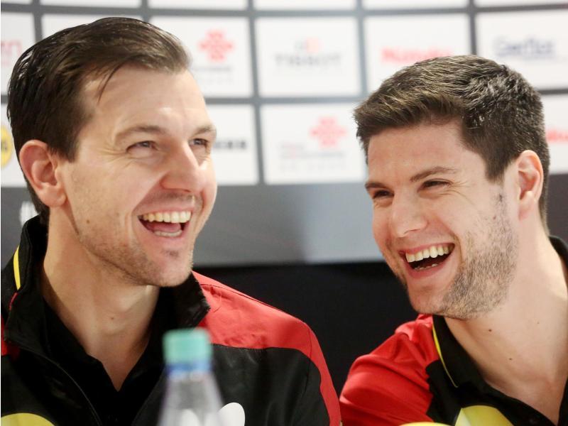 Auf der Teilnehmerliste für den World Cup im November: Timo Boll (l) und Dimitrij Ovtcharov. Foto: Roland Weihrauch/dpa