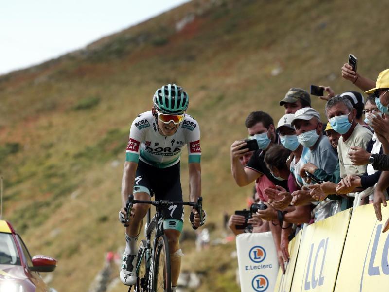 Zeigt starke Leistungen bei seiner zweiten Tour: Lennard Kämna (l)