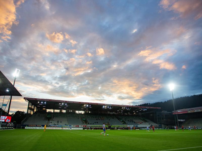 Im Gegensatz zum Schwarzwald-Stadion sollen in der neuen Freiburger Arena vorerst keine Abendspiele stattfinden dürfen