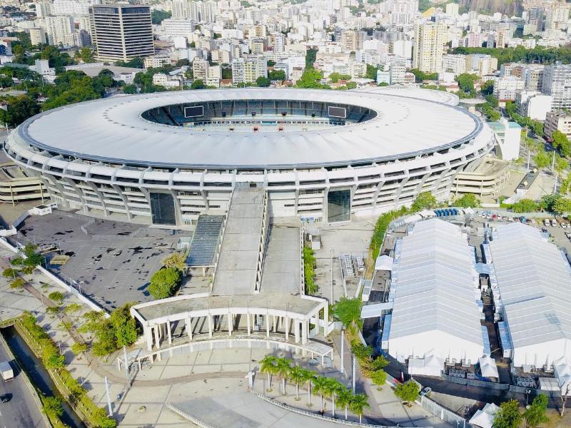 Zu Beginn der Corona-Krise wurde am legendären Maracanã ein provisorisches Krankenhaus (rechts unten) errichtet
