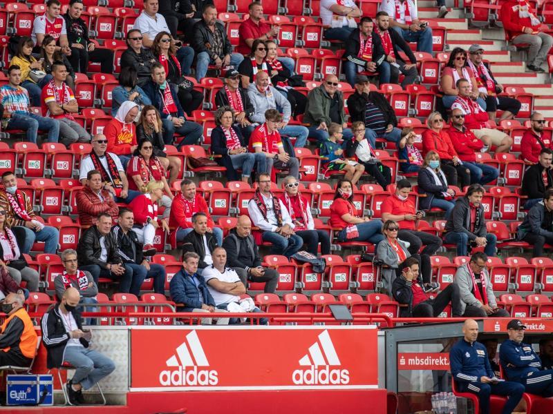 Bei einem Testspiel am 25. Oktober will Union Berlin das Stadion voll haben. Foto: Andreas Gora/dpa