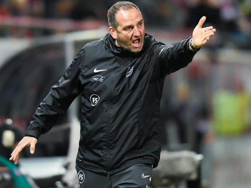 Kritisiert die Entlassungen bei FC Schalke 04 und Co.: Frank Schmidt