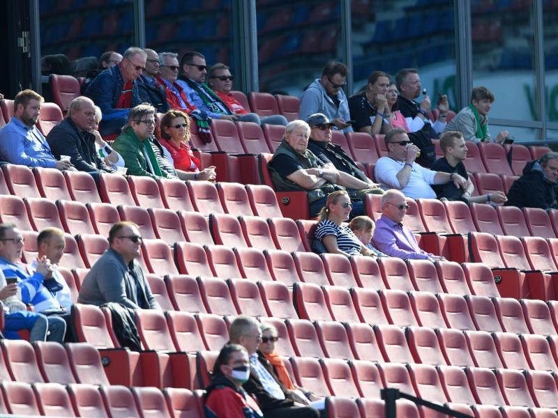 Für das Derby von Hannover 96 gegen Eintracht Braunschweig sind viele der verfügbaren Tickets noch nicht verkauft