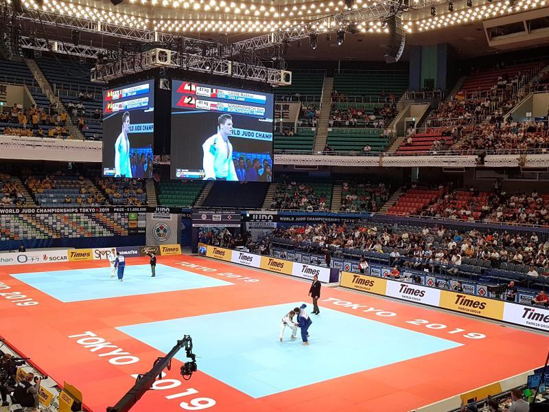 Blick in die Sporthalle während eines Judo-Turniers