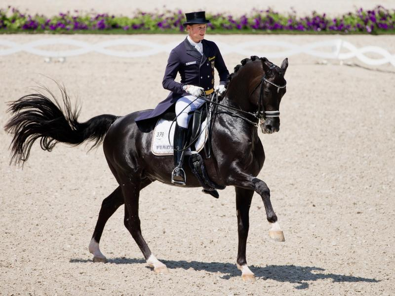 Der deutsche Reiter Matthias Alexander Rath auf Totilas