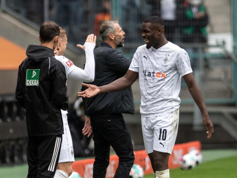 Mönchengladbachs Marcus Thuram (r.) könnte gegen Inter Mailand sein Champions-League-Debüt feiern