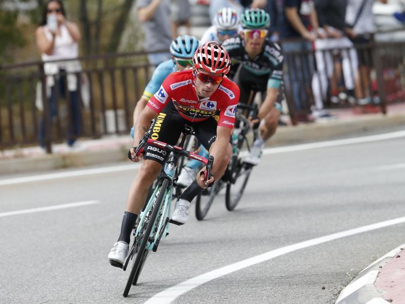 Bei der Vuelta weiter in Rot unterwegs: Titelverteidiger Primoz Roglic
