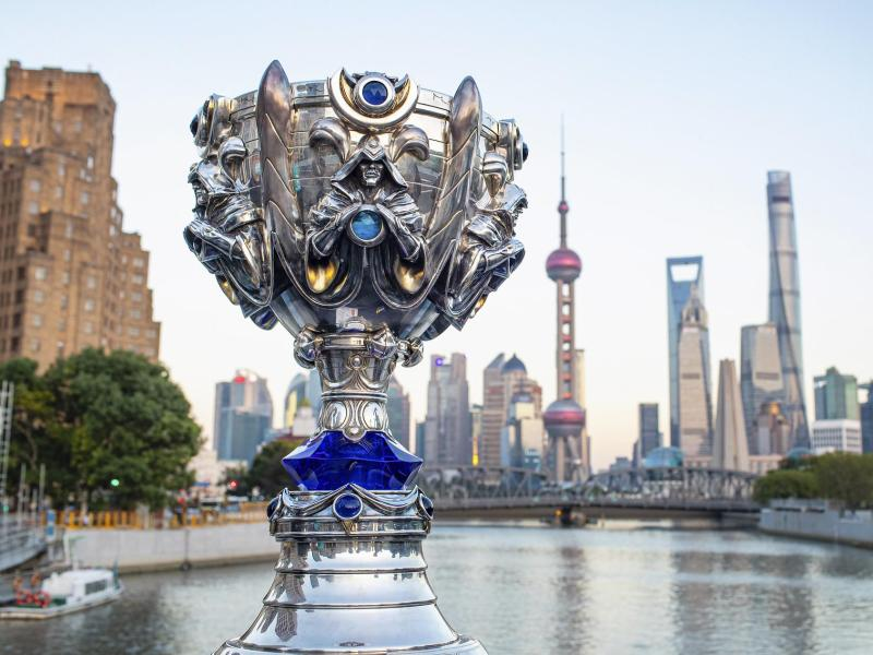 Der «Summoner's Cup», der Weltmeisterschaftspokal in League of Legends, in Shanghai