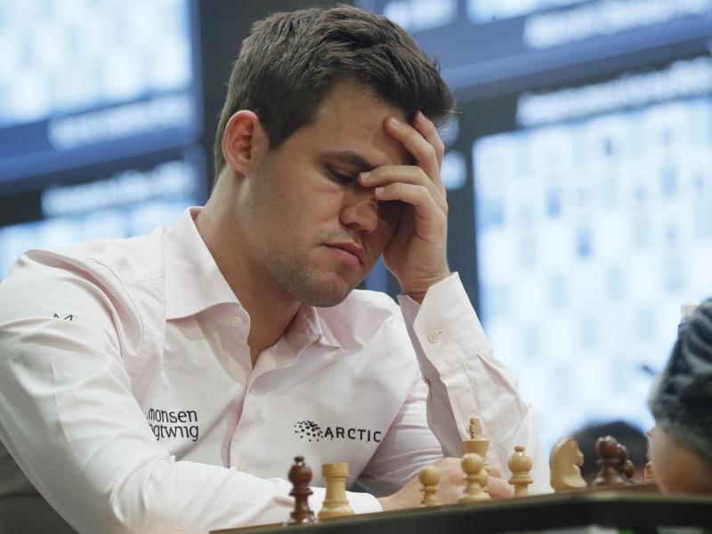 Misst sich mit seinen Konkurrenten vor der heimischen Webcam:Schachweltmeister Magnus Carlsen