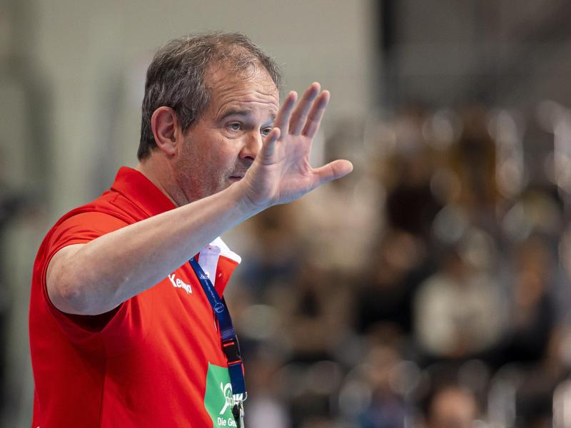 Deutschlands Handballerinnen müssen weiter auf Bundestrainer Henk Groener verzichten