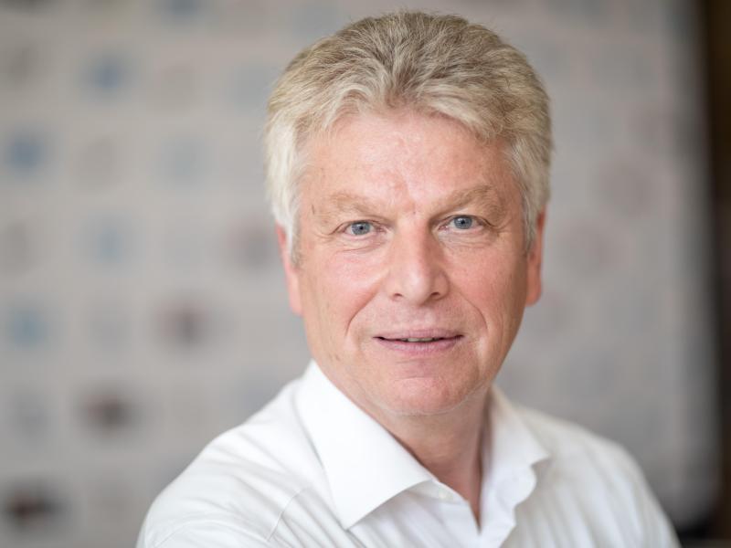DLV-Präsident Jürgen Kessing verabschiedete die neue Satzung