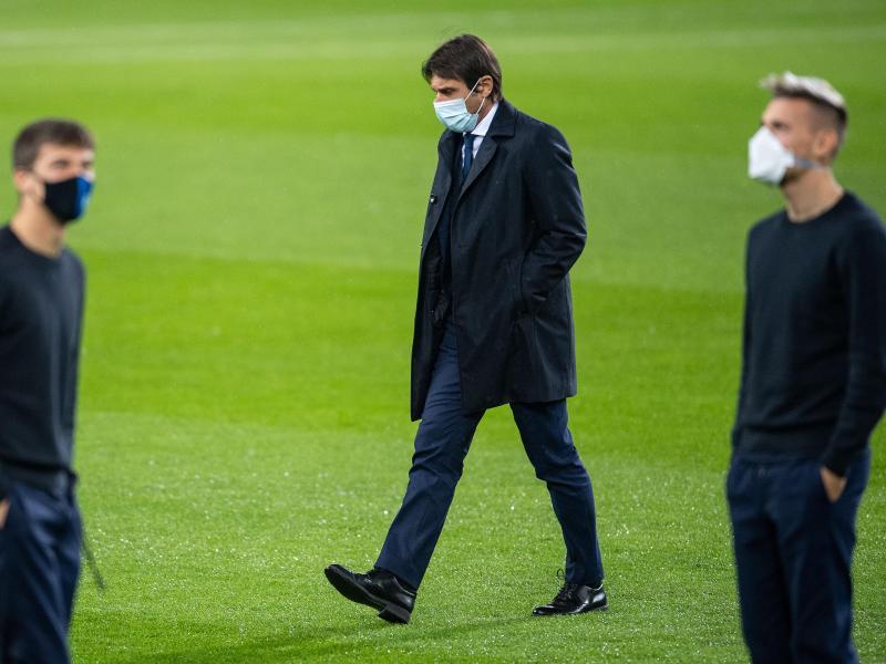 Die Inter-Spieler und Coach Antonio Conte wurden in Mönchengladbach in ihrer Nachtruhe gestört