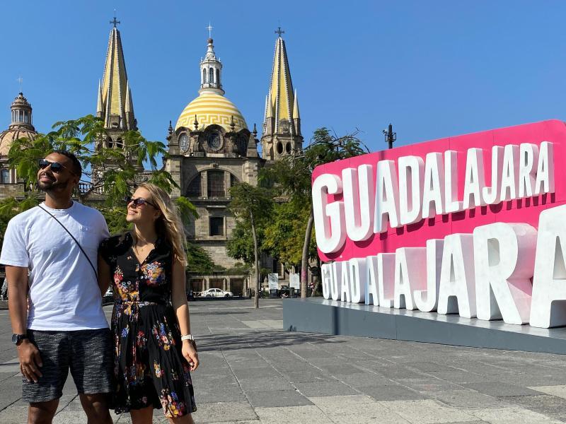 Marvin Matip und seine Frau Elsie in Guadalajara