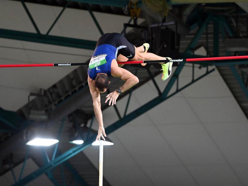 Für den Höhepunkt in Karlsruhe sorgte der französische Olympiasieger Renaud Lavillenie mit 5,95 Metern im Stabhochsprung