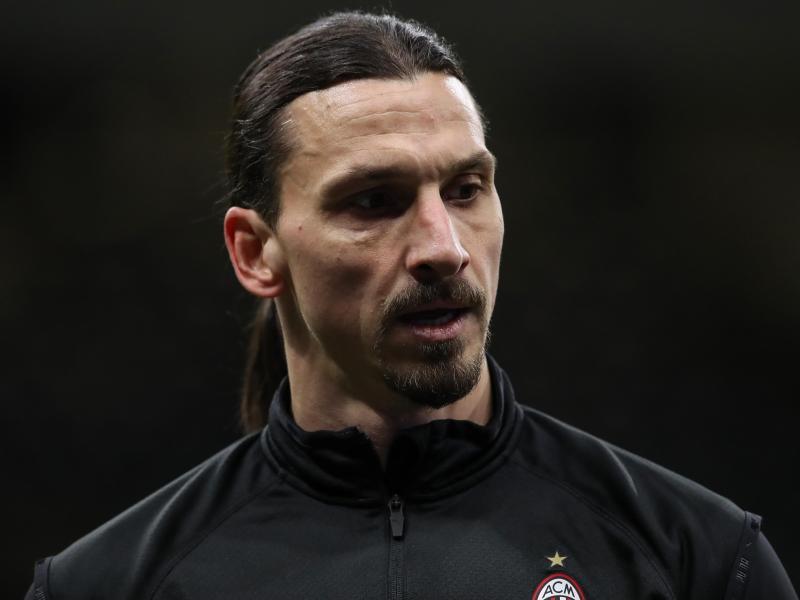 Zlatan Ibrahimovic wurde in Belgrad auf der Tribüne von einem Mann beleidigt