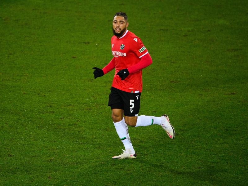 Darf bei Hannover 96 wieder am Mannschaftstraining teilnehmen:Simon Falette