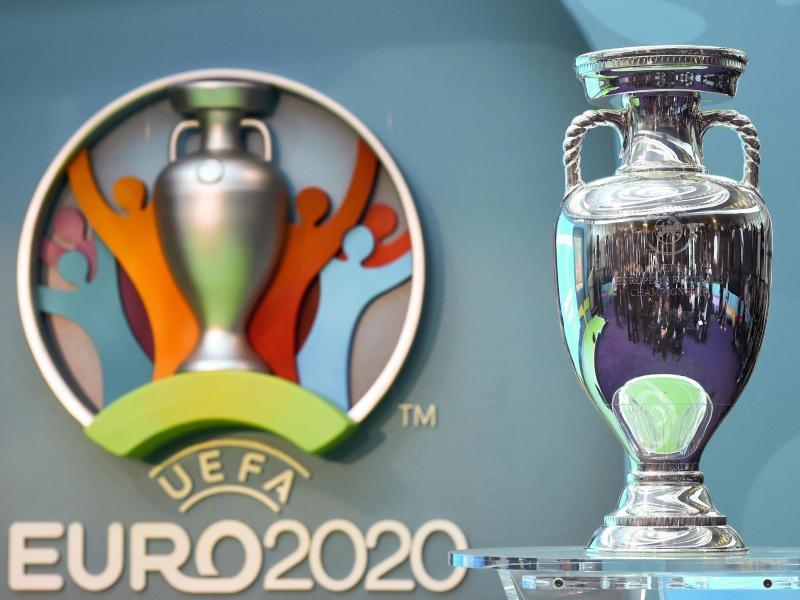 Die um ein Jahr verschobene Fußball-Europameisterschaft 2020 soll in den ursprünglich geplanten Städten stattfinden