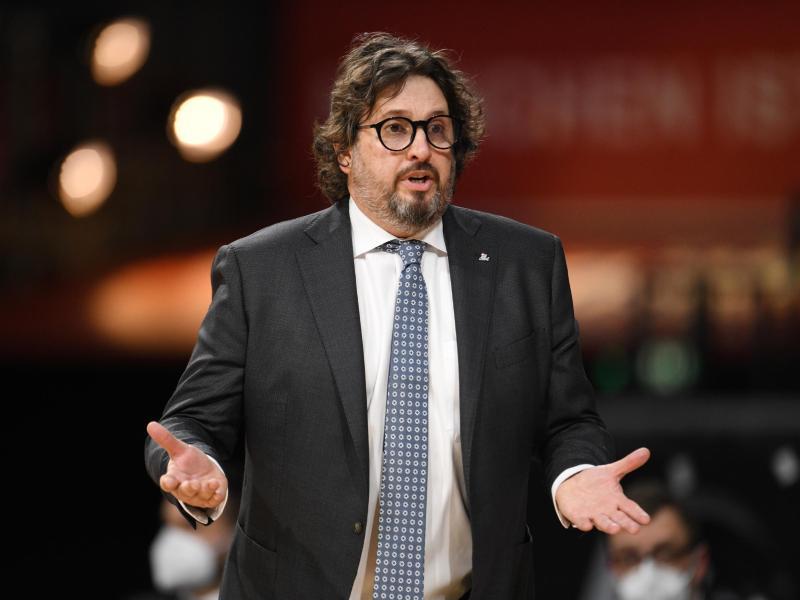 Andrea Trinchieri, Trainer der Basketballer des FCBayern München