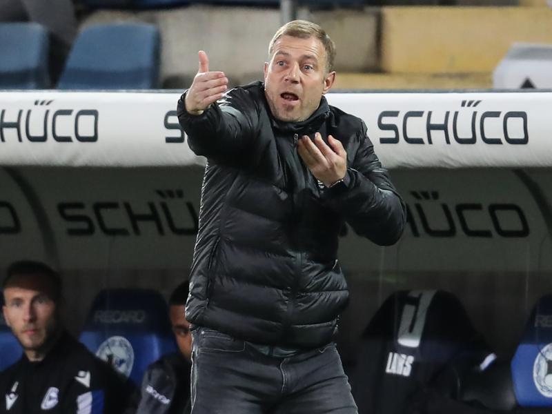 Frank Kramer und die Arminia haben zum Auftakt des Bundesliga-Spieltags die Abstiegsregion verlassen