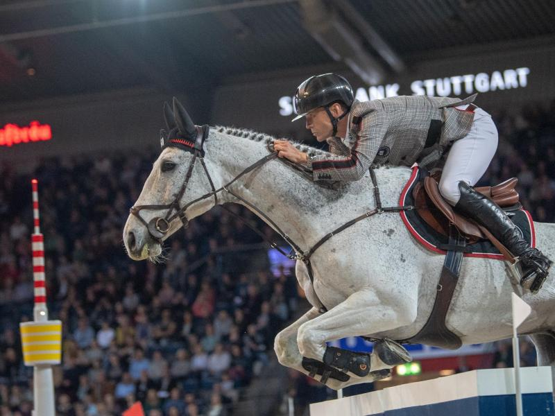 Peder Fredricson auf seinem Pferd Catch Me Not. Foto: Sebastian Gollnow/dpa/Archiv
