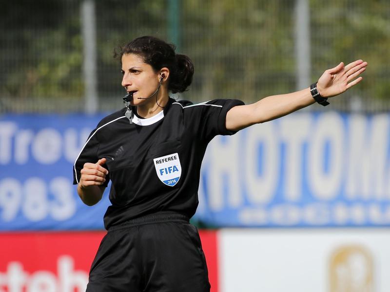 Pfeift das Finale der Champions League der Frauen: Schiedsrichterin Riem Hussein
