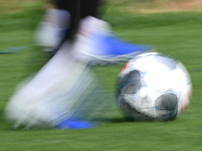 In den Niederlanden dürfen Frauen ab der nächsten Spielzeit gemeinsam mit Männern in allen Amateurligen Fußball spielen