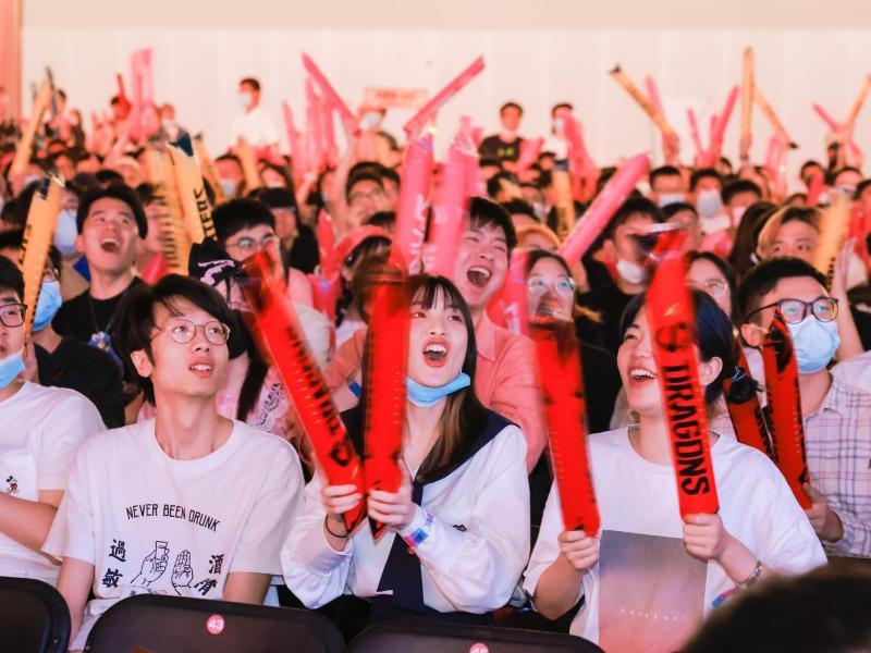 Die Fans der Shanghai Dragons konnten ihr Team bei Juni-Turnier der Overwatch League wieder vor Ort anfeuern