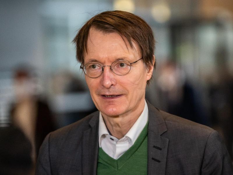 SPD-Gesundheitsexperte Karl Lauterbach ist gegen EM-Spiele in London mit Zuschauern