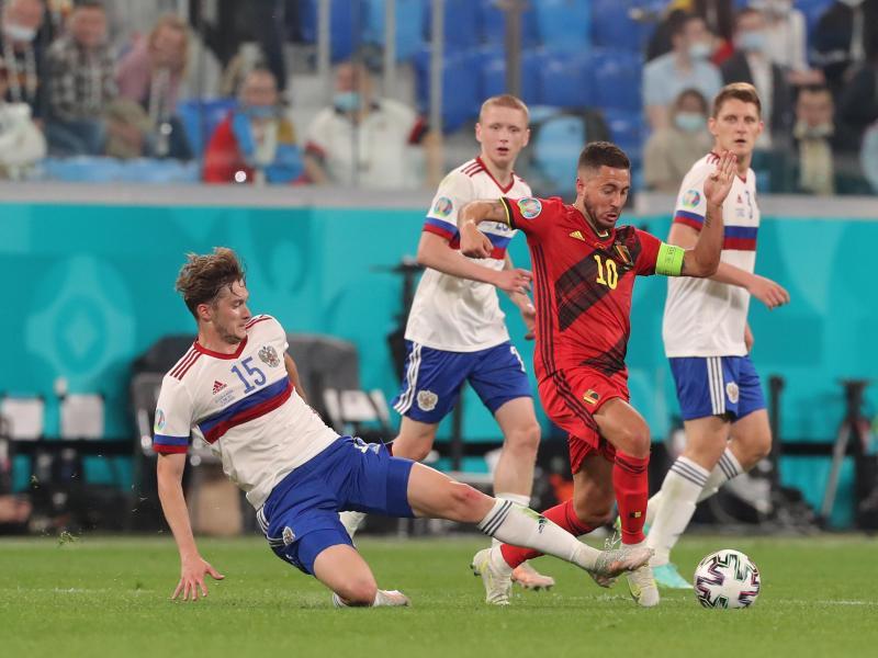 Macht laut Meinung seines Ex-Coaches zu wenig aus seinem Talent: Belgiens Eden Hazard (r)