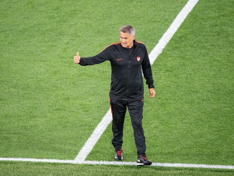 Denkt nicht an Rücktritt nach dem EM-Aus: Senol Günes, Nationaltrainer der Türkei