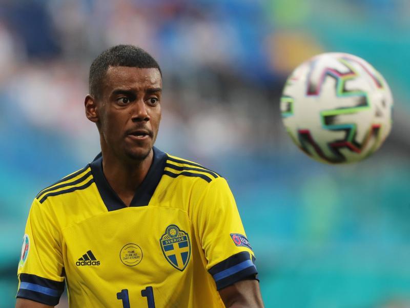 Der schwedische Nationalspieler Alexander Isak hat seinen Vertrag bei Real Sociedad San Sebastian verlängert