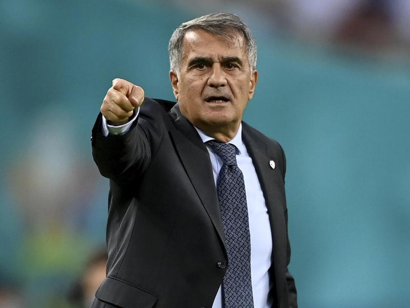Senol Günes will weiter die türkische Nationalmannschaft trainieren