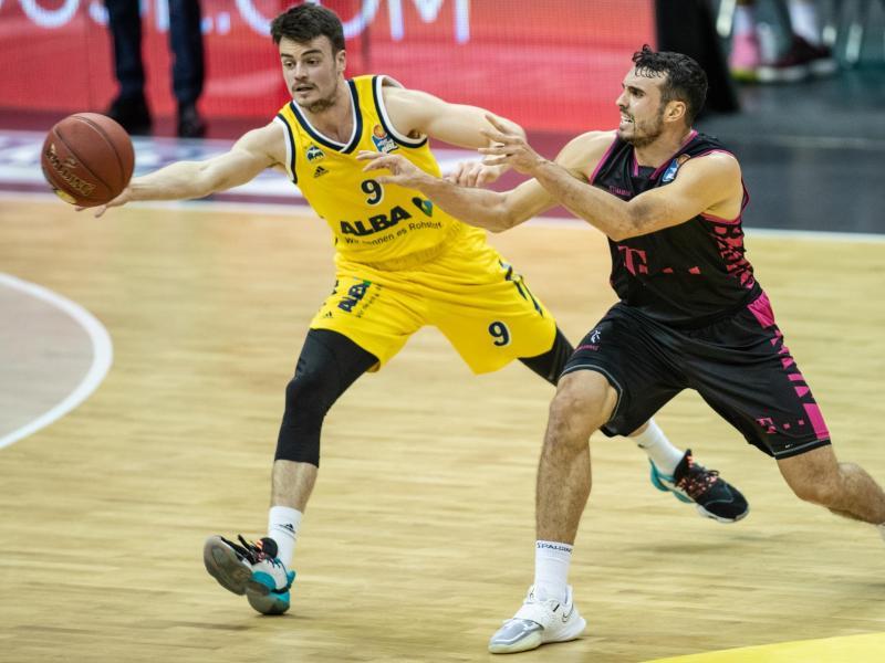 Alba Berlin um Jonas Mattisseck (l.) empfängt zum Saisonauftakt die Telekom Baskets Bonn