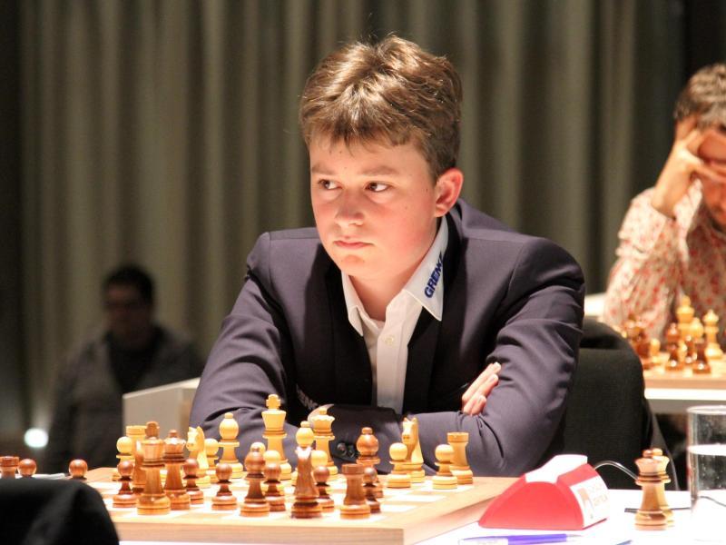 Vincent Keymer vor zwei Jahren als damals 14-Jähriger beim Schachturnier Grenke Open