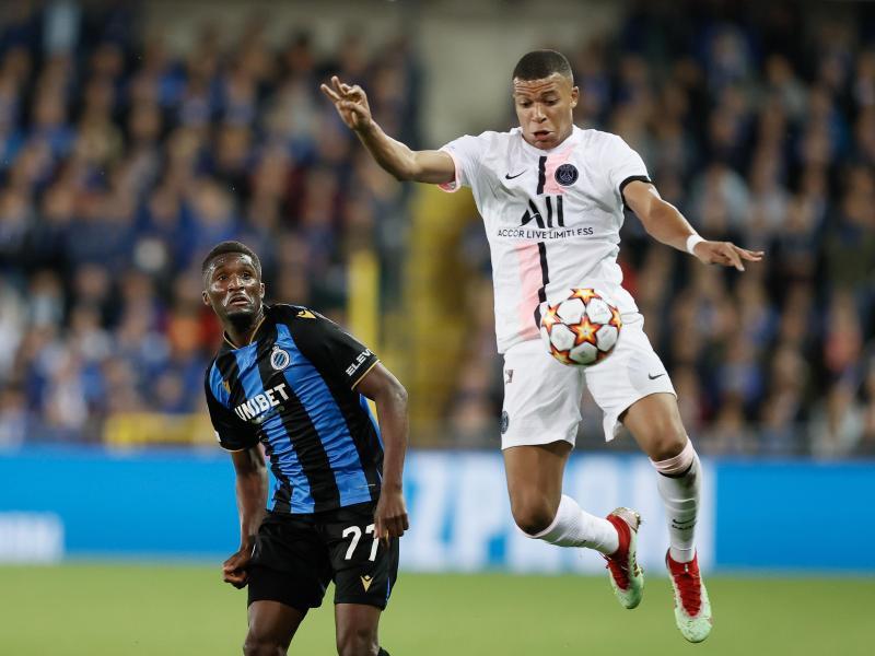Müsste in Brügge zur Halbzeit ausgewechselt werden: PSG-Star Kylian Mbappé (r.)