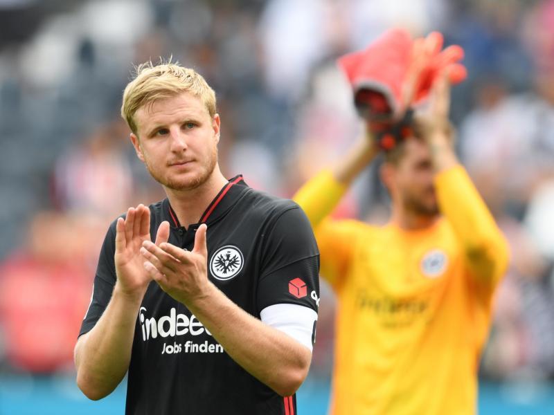 Frankfurts Martin Hinteregger droht gegen den VfL Wolfsburg auszufallen