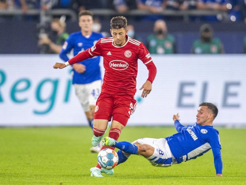 Düsseldorf muss länger auf Dawid Kownacki (l) verzichten