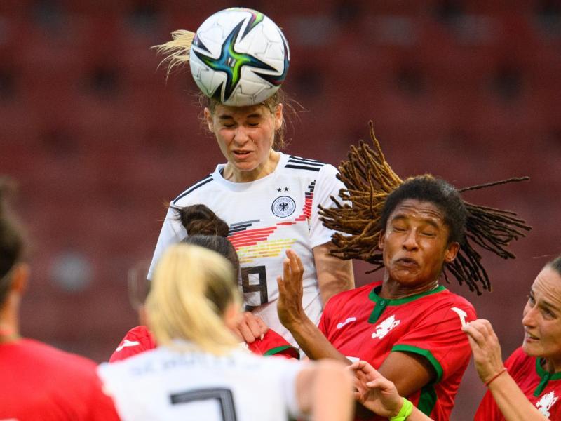 Viele junge Spielerinnen liefern sich bei den DFB-Damen einen Konkurrenzkampf