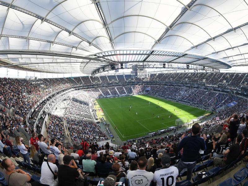Gegen Olympiakos Piräus sind 35.000 Zuschauer im Frankfurter Stadion Deutsche Bank Park erlaubt