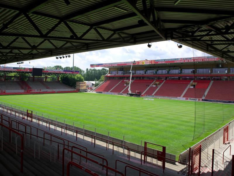 Union Berlin darf nur vor 11.000 Fans spielen
